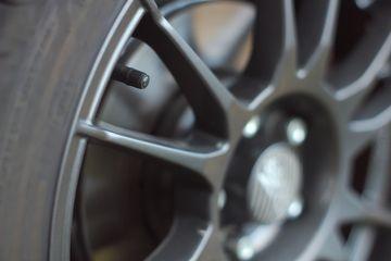 Full Tire & Wheel Service